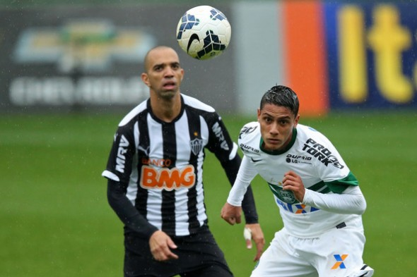 Dudu+Coritiba+v+Atletico+MG+Brasileirao+Series+1MfmReiVf_5l