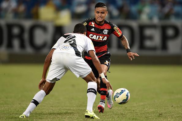 Os candidatos a protagonista do duelo deste sábado — Flamengo x Vasco