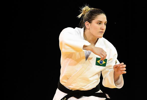 Mayra Aguiar conquista medalha de ouro em Grand Slam de…