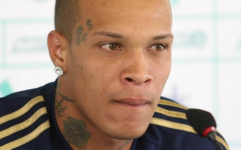 França, ex-volante do Palmeiras