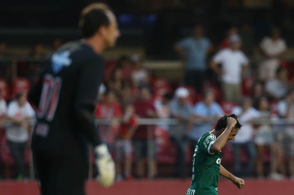 Robinho se desculpa com Rogério Ceni por brincadeira na TV…