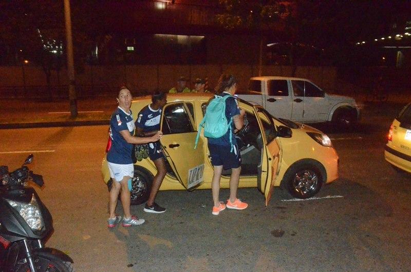 Sem ônibus, jogadoras do São José pegam táxi para voltar ao hotel