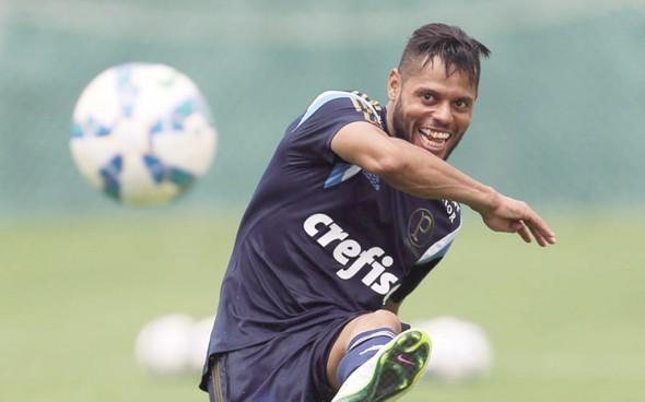João-Paulo-lateral-do-Palmeiras-foto-Cesar-Greco-Fotoarena