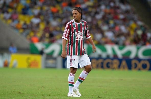 Há um ano atrás, o Fluminense apostou em Ronaldinho Gaúcho, mas o ex-melhor do mundo jogou poucos minutos pelo clube e foi desligado em pouco mais de dois meses - Reprodução