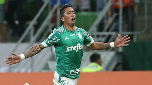 Lucas Barrios do Palmeiras x Cruzeiro no Allianz Parque