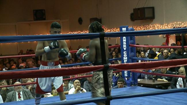 Boxeador de 19 anos morre em sua estreia no boxe…
