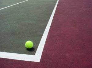 bola-de-tenis-na-quadra_2530894