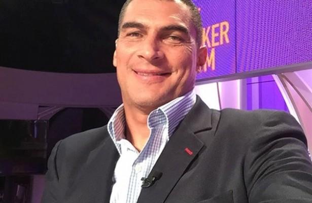 Ídolo colombiano, Mondragón é internado em Cali