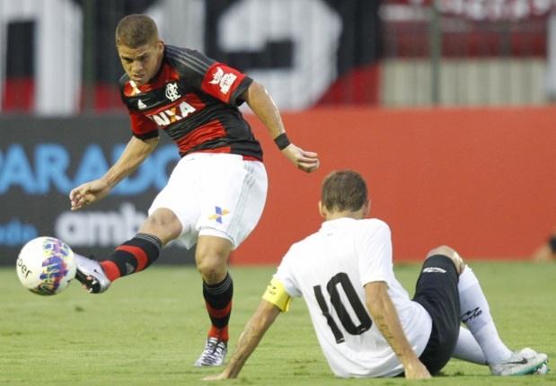 [Torcida Flamengo] Volante rubro-negro pode atuar no futebol argentino, afirma jornal local