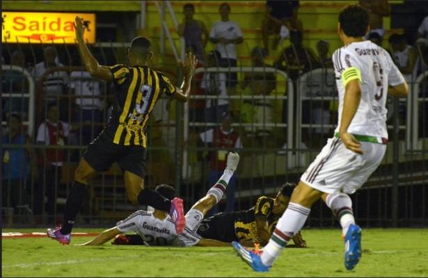 Após derrota, Eduardo Baptista pede rápida reação no Fluminense