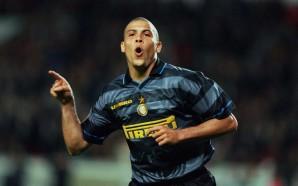 Segundo Zanetti, o melhor camisa 9 da história é Ronaldo…