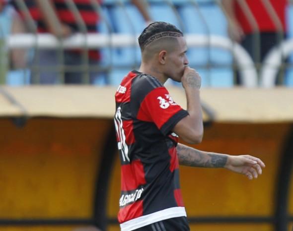 Thiago Santos - GIlvan de Souza/Flamengo