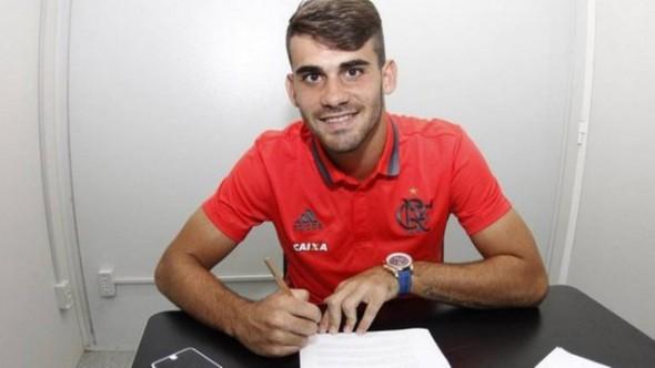 Vizeu assinou novo contrato com o FLamengo
