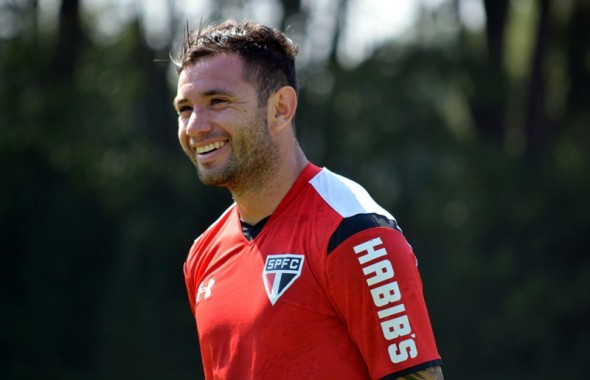 Eugênio Mena (CHI) - Divulgação/Site Oficial São Paulo FC