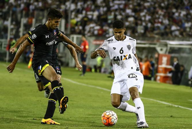 Douglas Santos é convocado e pode desfalcar Atlético em até 11 partidas do Brasileiro