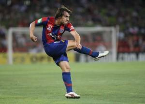 Bernardo em ação pelo Newcastle Jets, da Austrália