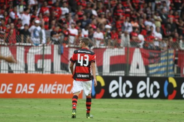 Léo Duarte usa número simbólico de Petkovic na conquista do Brasileirão 2009. Foto: Gilvan de Souza