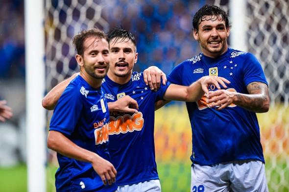 Cruzeiro de Everton Ribeiro, Willian e Ricardo Goulart foi campeão brasileiro com sobras em 2014. Foto: Getty Images