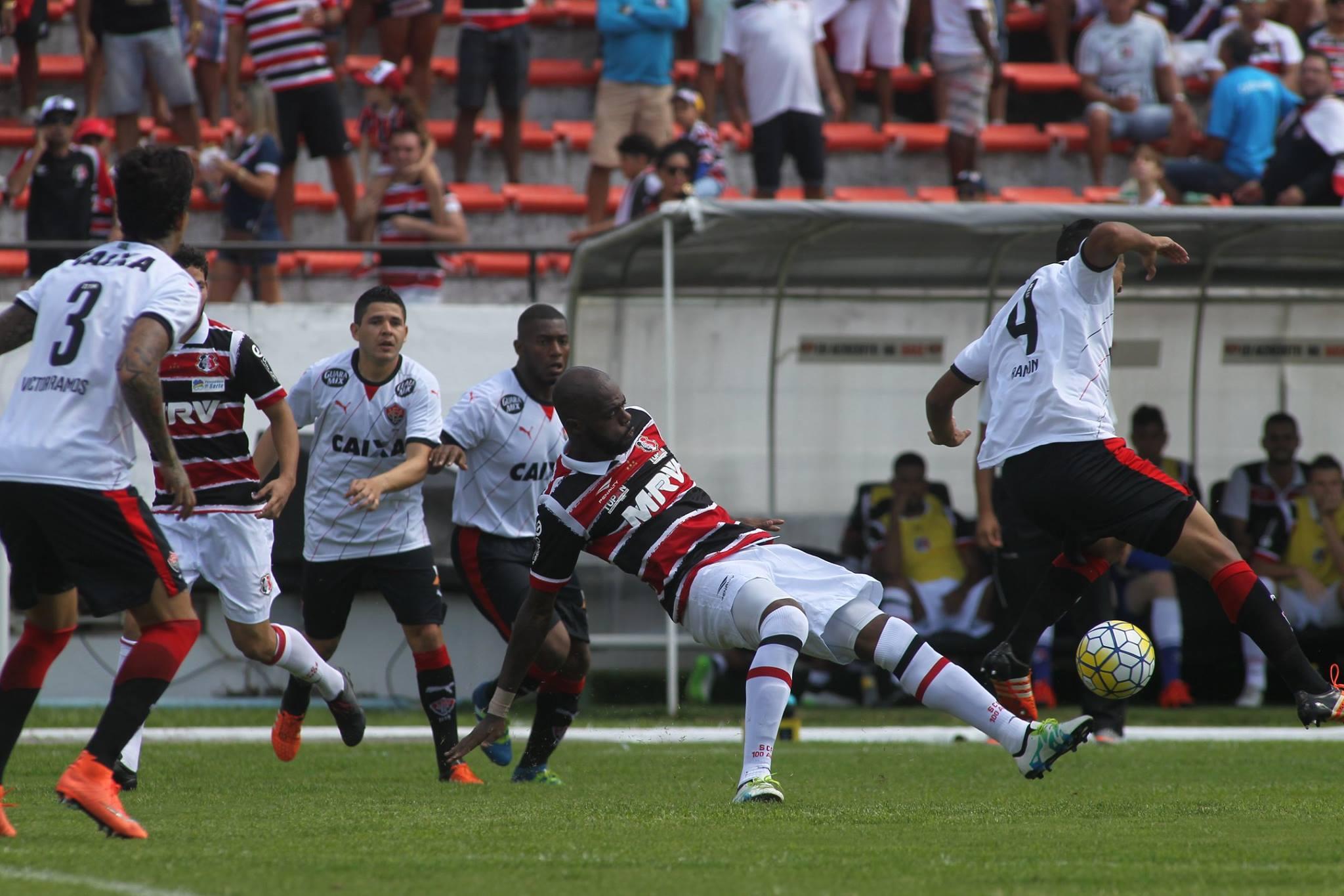 Santa Cruz 4 x 1 Vitória