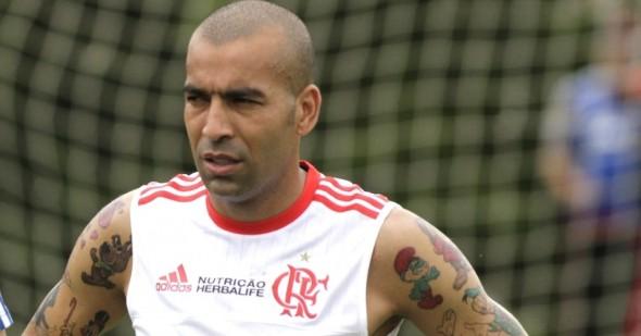 Emerson Sheik deverá estar na lista de relacionados do Flamengo para estreia do Brasileiro. Foto: Gilvan de Souza