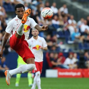 SALZBURG,AUSTRIA,23.AUG.15 - SOCCER - tipico Bundesliga, Red Bull Salzburg vs FK Austria Wien. Image shows Paulo Miranda (RBS). Photo: GEPA pictures/ Mathias Mandl - For editorial use only. Image is free of charge.