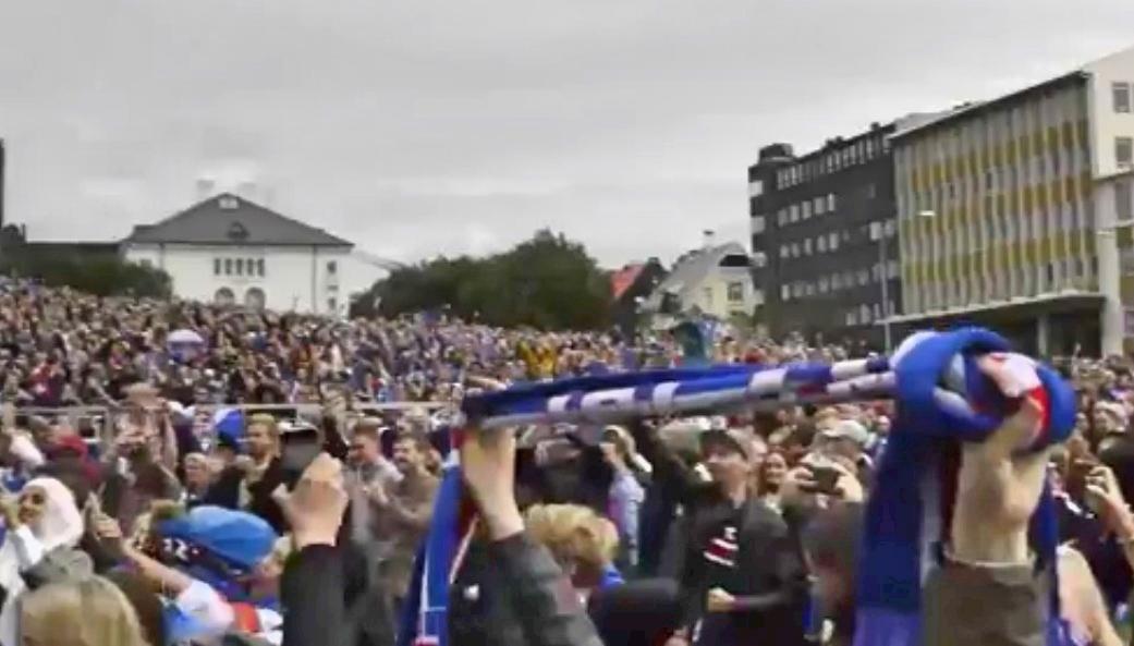Islândia comemora classificação às quartas de final da Eurocopa