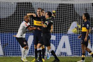 Amarilla disse em entrevista que não achou que errou durante a partida entre Corinthians e Boca - Reprodução/Twitter