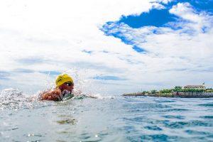 Ana Marcela Cunha nada no local onde acontece a prova das maratonas aquáticas (Foto: Getty Images/Buda Mendes)