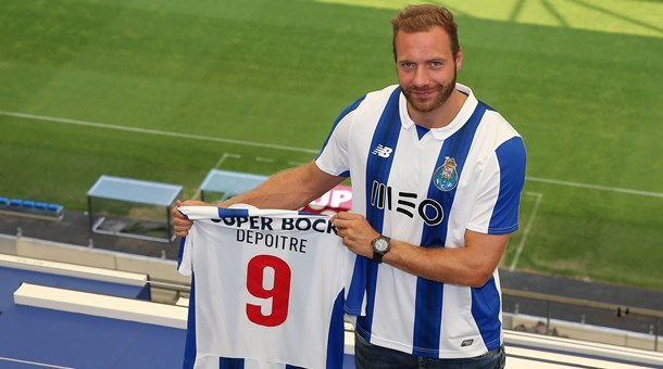 FC Porto contrata avançado belga Laurent Depoitre
