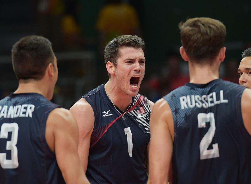 Brasil e Itália disputam ouro no vôlei masculino