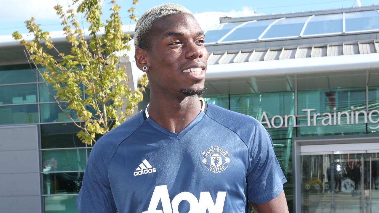 Mourinho exalta estreia de Pogba no Manchester United: 'Fenomenal'