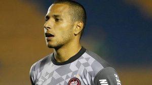 Jogador foi pego no exame quando atuava pelo time do Paraná - Djalma Vassão/GazetaPress