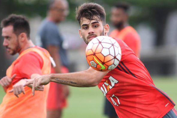 Vizeu será titular - Gilvan de Souza/Flamengo