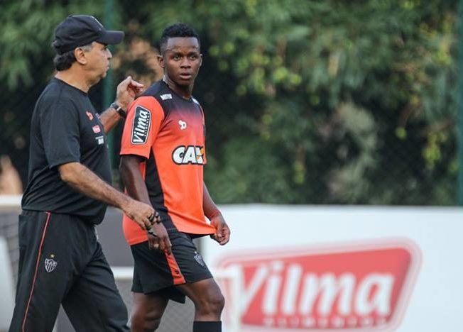 Marcelo pede foco no Brasileirão, mas pretende poupar atletas do Galo