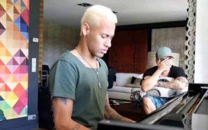"""Neymar gravou vídeo tocando piano e cantando a musica """"Yo Necessito"""" em portunhol, e leva a internet a loucura. (Foto: Reprodução)"""