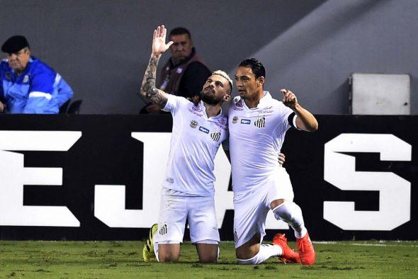 Santos segue sendo o clube mais artilheiro da história do futebol mundial, com 12307 gols marcados