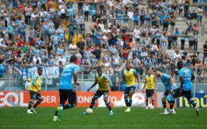 Grêmio treina na frente do torcedor