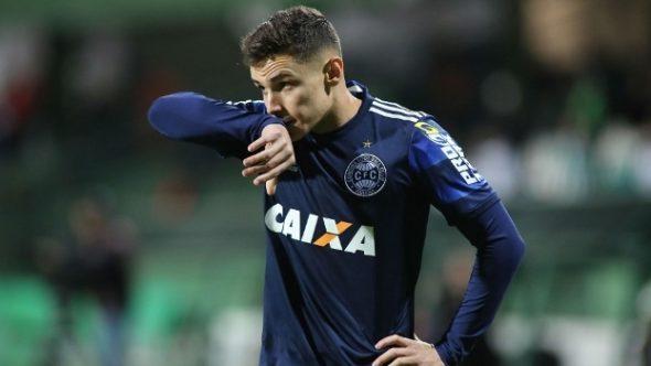 Raphael Veiga chega ao Palmeiras após o Campeonato Brasileiro. Foto: Giuliano Gomes / PR Press
