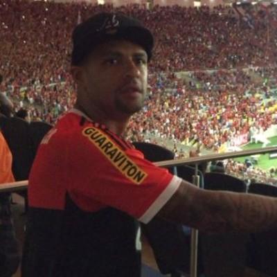 Felipe Melo torcendo pelo Fla no Maraca - Reprodução/Twitter