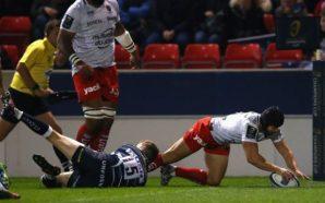 Leigh Halfpenny (de branco) marcando o segundo try do Toulon (Crédito da Foto: Site Oficial da Champions Cup)