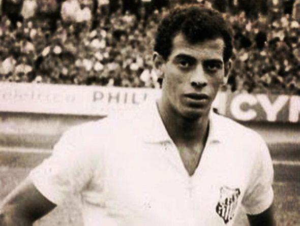 Relembre a passagem da carreira de Carlos Alberto Torres no Santos