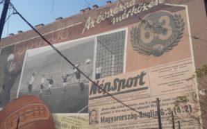 Pintura em muro de Budapeste relembra a grande vitória da seleção da Hungria. Foto: Fernanda Rodrigues