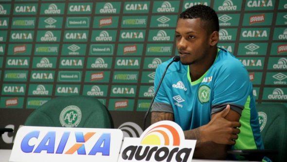 Dener é destaque da Chapecoense e pode reforçar o Flamengo. Foto: Divulgação