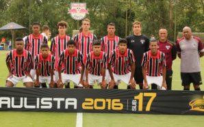Walce celebrou a vitória do São Paulo, mas garante que não tem nada decidido ainda