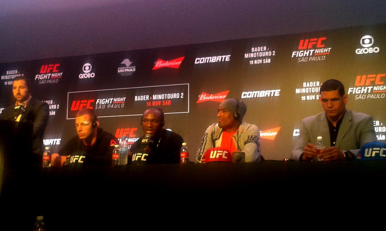 Lutadores atendem imprensa após UFC SP - Crédito da foto: Márcio Donizete/Torcedores.com