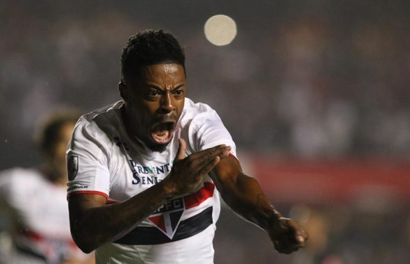Mercado da bola: Santos negocia trocas com São Paulo para ter dois atletas