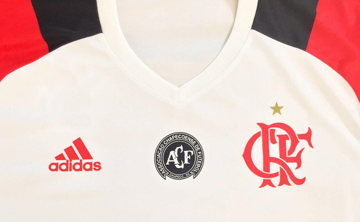 Conselheiro do Flamengo é contra escudo da Chapecoense na camisa rubro-negra