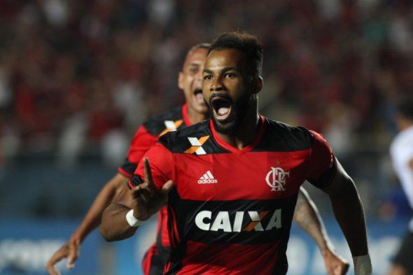 Fernandinho - Fotos: Gilvan de Souza / Flamengo