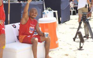 José Aldo participa de evento de futevôlei no Rio de Janeiro (Foto: Renato Senna/Torcedores.com)