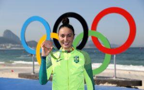 Poliana Okimoto, única medalhista do Brasil nos desportos aquáticos no Rio 2016
